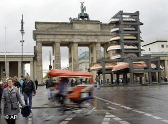עבודתה של קליאפי למוס, ברלין