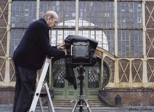 ברנד בכר והמצלמה בפעולה
