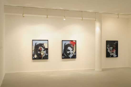 דאגלס גורדון (כל הדימויים מתוך התערוכה בגלריה דביר).