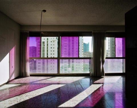 """תצלום של גליה גור זאב.  כל העבודות: מתוך התערוכה """"אחרי הכל"""" בסדנאות האמנים, ת""""א"""